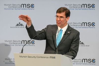 """Secretario de Defensa de EEUU dice que Huawei es una """"amenaza"""" para la OTAN"""