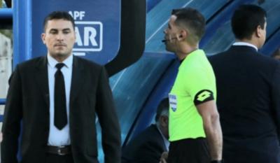 HOY / Juez paraguayo en un partido de la Sudamericana