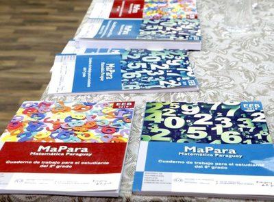 MEC suspende entrega de libros, tras escándalo