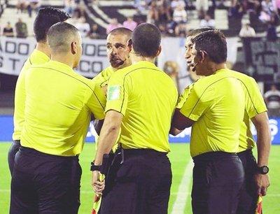 Multarán a los que insulten a árbitros