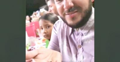 """Comió grillos en sus """"vacas"""" por Cancún"""