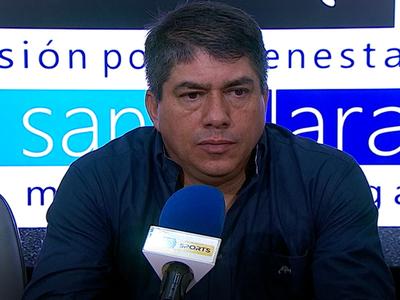 Roberto Torres lamenta la derrota ante Guaraní