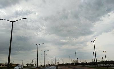HOY / Las lluvias continuarán este domingo, según Meteorología