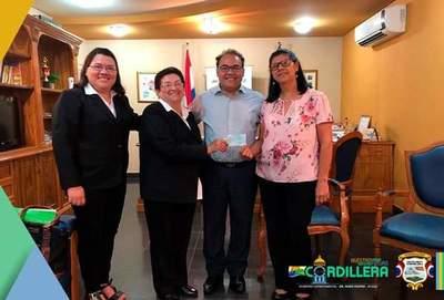Gobernación de Cordillera entrega aportes a diversas comisiones