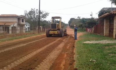 La Municipalidad de Itacurubí realizó la reparación de caminos vecinales en compañías