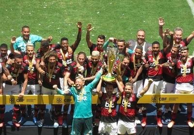 HOY / Flamengo vence al Atlético Paranaense y gana su primer título del 2020