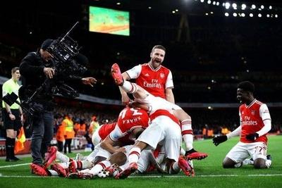 HOY / Arsenal vuelve a ganar en la Premier mes y medio después