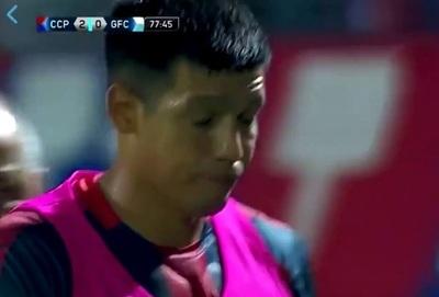 """Dos Santos entró """"batería baja"""" y lo destrozan con memes"""