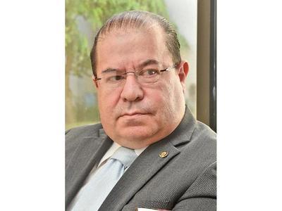 """""""Sanear la política para atraer a inversionistas"""""""