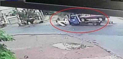 Violento accidente deja una joven fallecida