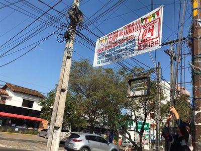 Inician campaña para retirar cartelería ilegal en Asunción