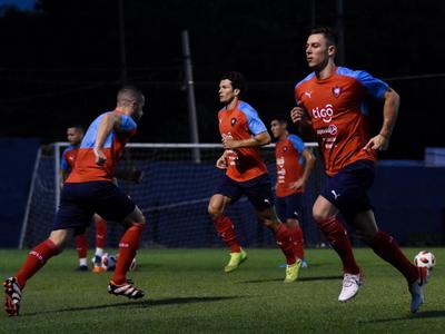 Arce lleva 23 jugadores a Guayaquil