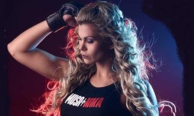 Modelo y Luchadora brasilera fanática del Olimpia