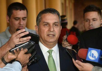 Petta seguirá siendo ministro de Educación y Hugo Cáceres niega ofrecimiento de cargo
