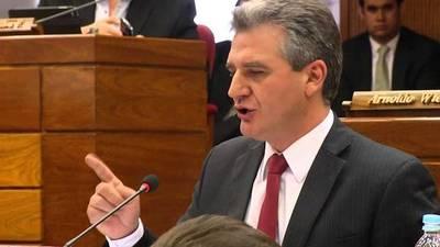 """Bacchetta defiende permanencia de Petta en el MEC: """"Sería un error a esta altura estar cambiando un ministro"""""""