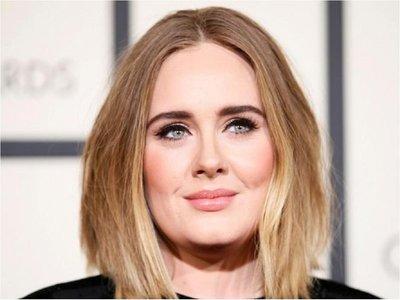 Adele revela que prepara un nuevo álbum para setiembre