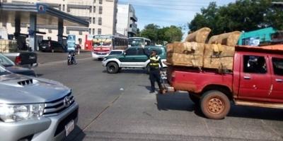 HOY / Apagón, semáforos fuera de  servicio y caos: corte en una  zona clave paralizó el tránsito