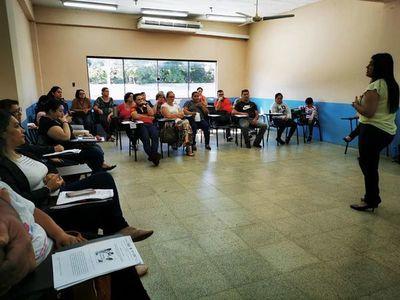 Capacitan a unos 70 instructores en Presidente Franco