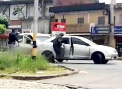 Gavilla asesta violento golpe en Roque Alonso