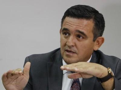 Petta tiene el liderazgo que se precisa para librar a la educación de la influencia de grupos de poder, según viceministro