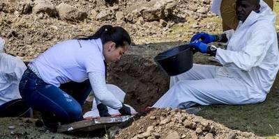 """Hallan 3 cuerpos más de posibles víctimas de """"falsos positivos"""" en Colombia"""