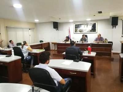 Vaesken entrega ejecución presupuestaria, pero ediles siguen esperando lista de obras