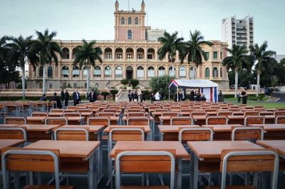 Gobierno entrega 5.000 pupitres para el inicio de clases