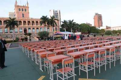 5000 muebles son donados a escuelas del país