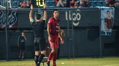Dos Santos pide disculpas a la hinchada cerrista