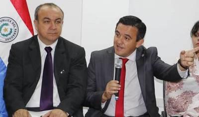 """Viceministro Cano ve a Petta como un líder """"que librará a la educación de los grupos de poder"""""""
