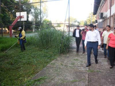 Dengue: Continúa la eliminación de potenciales criaderos en instituciones educativas