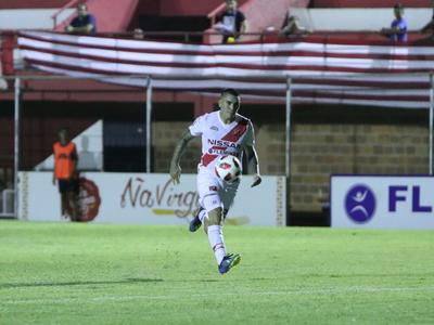 Emiliano Agüero convierte el mejor gol de la fecha 5 del Apertura