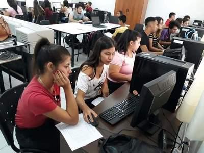 Más de 32.000 alumnos inician cursos del SNPP
