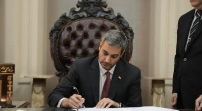 Mario Abdo promulga Ley de financiamiento político
