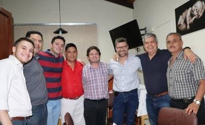 HOY / Riera lanza a Peque Benitez  y a periodista para comunas  y presenta a equipo para Junta