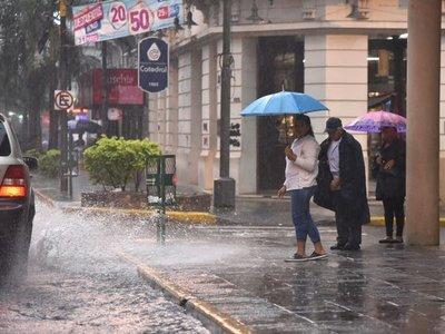 Meteorología emite alerta de tormentas para 8 departamentos