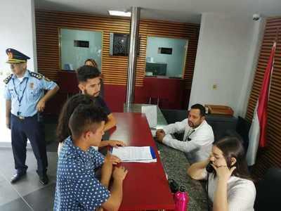 FENAES denuncia supuesta inconsistencia en declaración jurada de Petta