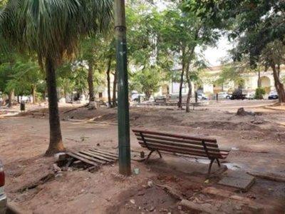Pretenden revitalizar las cuatro plazas frente al Congreso Nacional