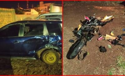 Motocicleta quedó destrozada tras embestir por otro vehículo