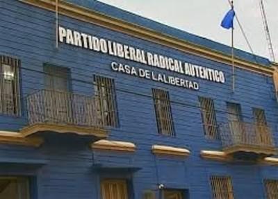 Oficina de la JLRA es usada como dormitorio del chofer de Efraín Alegre, denuncian