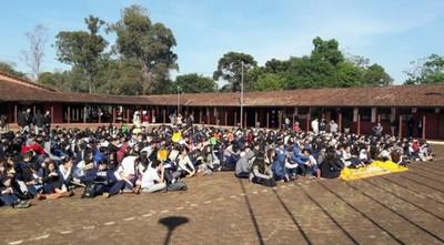 Confeccionistas se levantan ante competencia desleal desde escuelas de Ciudad del Este