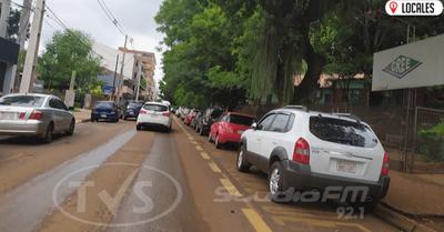 PMT multará a conductores  que se estacionen en doble fila frente a instituciones educativas