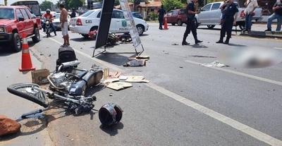 HOY / Alta velocidad, imprudencia  y choque frontal de motos:  un muerto, un herido
