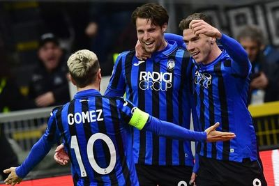 Atalanta golea al Valencia