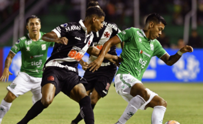 HOY / Vasco da Gama avanza tras igualar sin goles con Oriente Petrolero