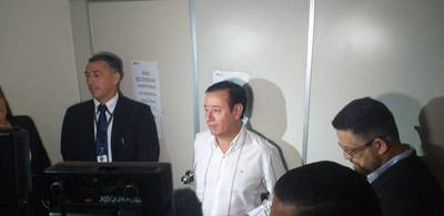 Abogado de Cuevas no piensa presentar a su cliente a pesar de la orden del juez y seguirá chicaneando el proceso