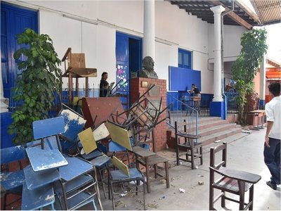 Gremio docente lamenta inicio de clases con infraestructura precaria y falta de materiales