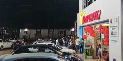 Estudiantes brasileños copan estaciones de servicio de CDE y provocan desmanes
