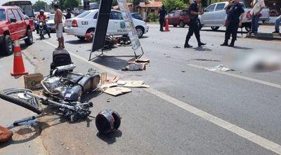 Alta velocidad, imprudencia y choque frontal de motos: un muerto, un herido