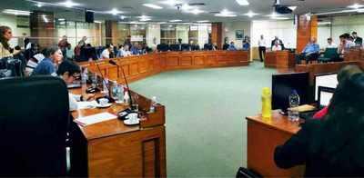 Junta de Asunción con 63 asistentes para cada uno de los 24 concejales (1.500 funcionarios) escandaliza a la Contraloría